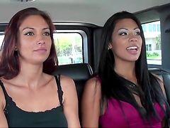 Фильм секси милф на айфоне проститутка