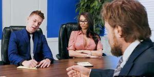 Buttplugged коллега красотка любит Анальный секс в офисе